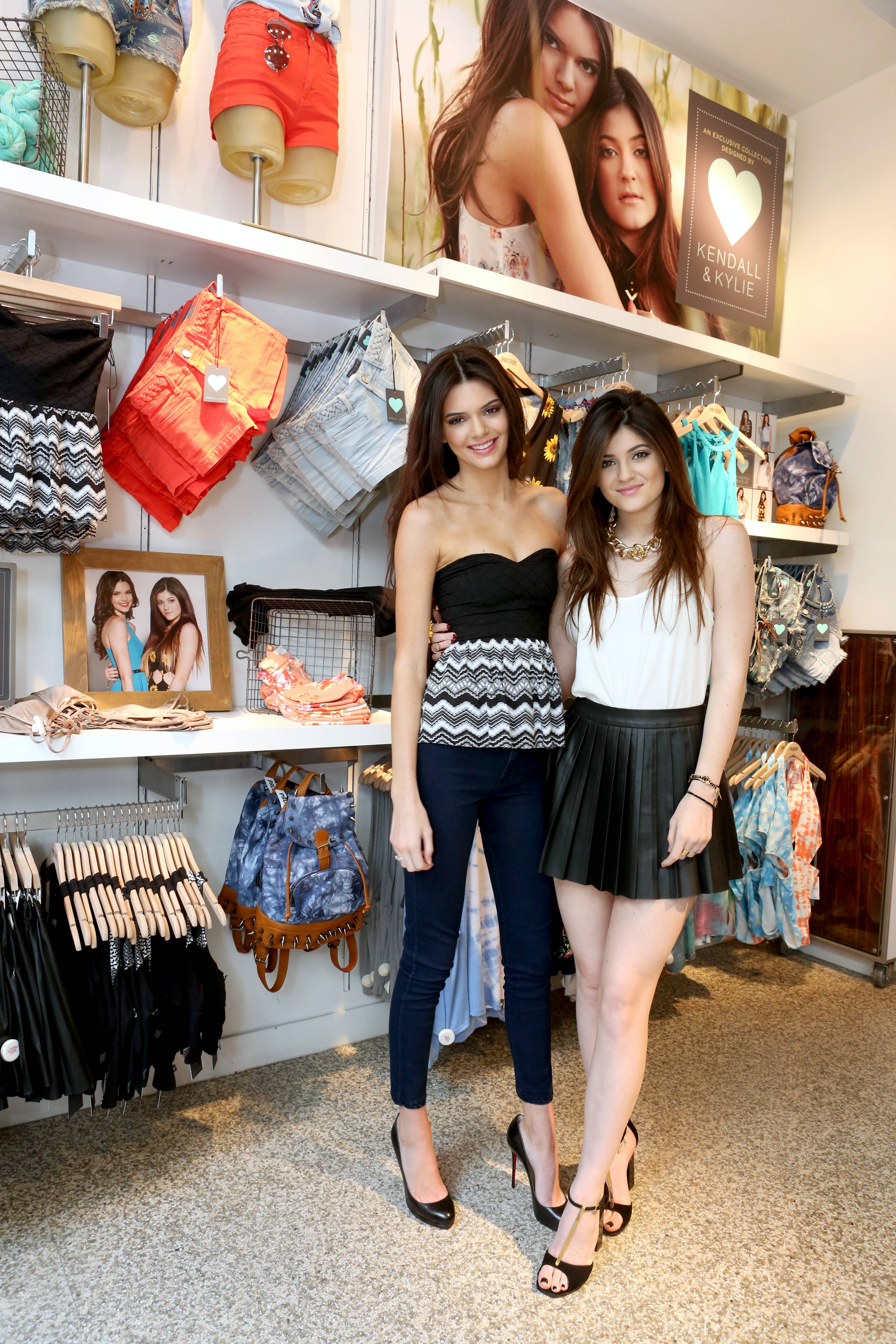Kendall & Kylie Jenner's PacSun Signing