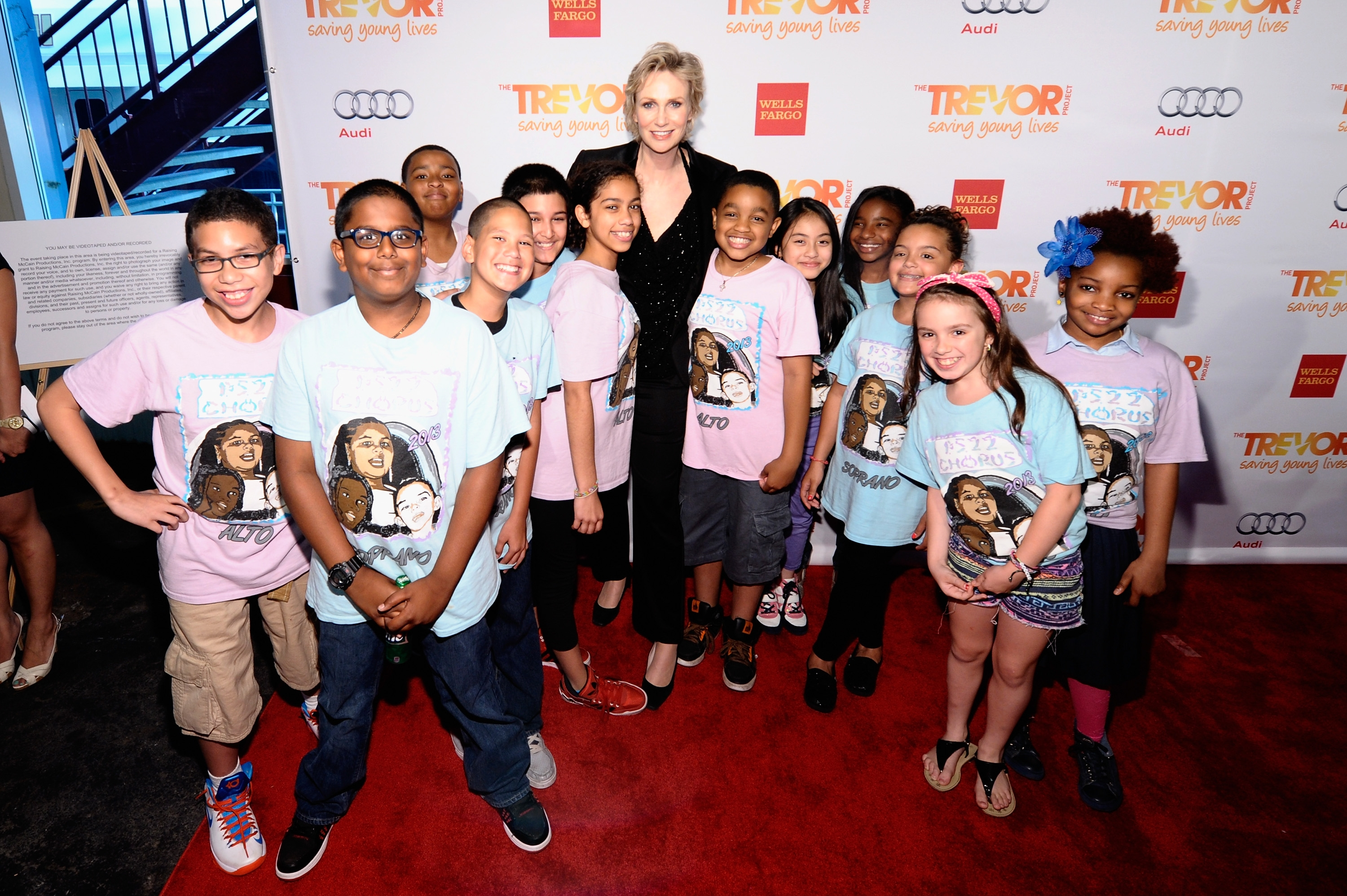 Jane Lynch & members of the PS22 Chorus