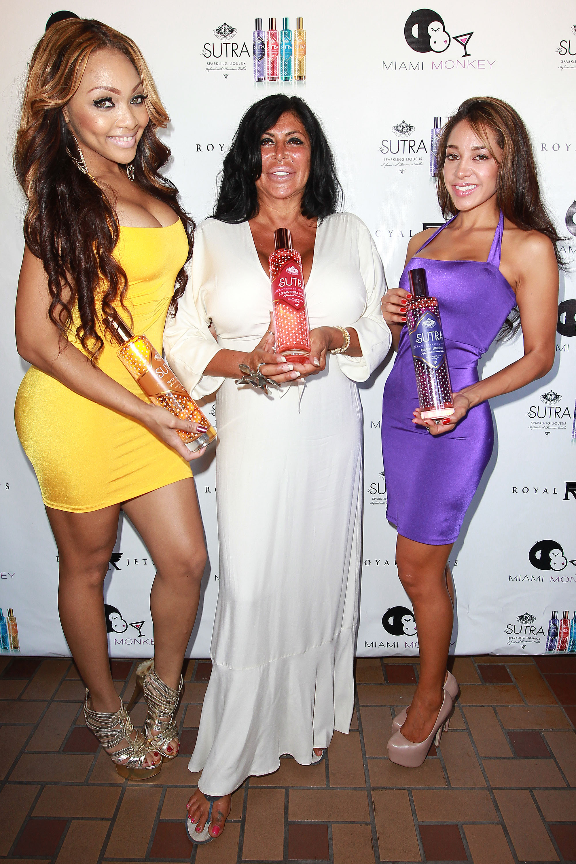 Big Ang with the leSUTRA Girls