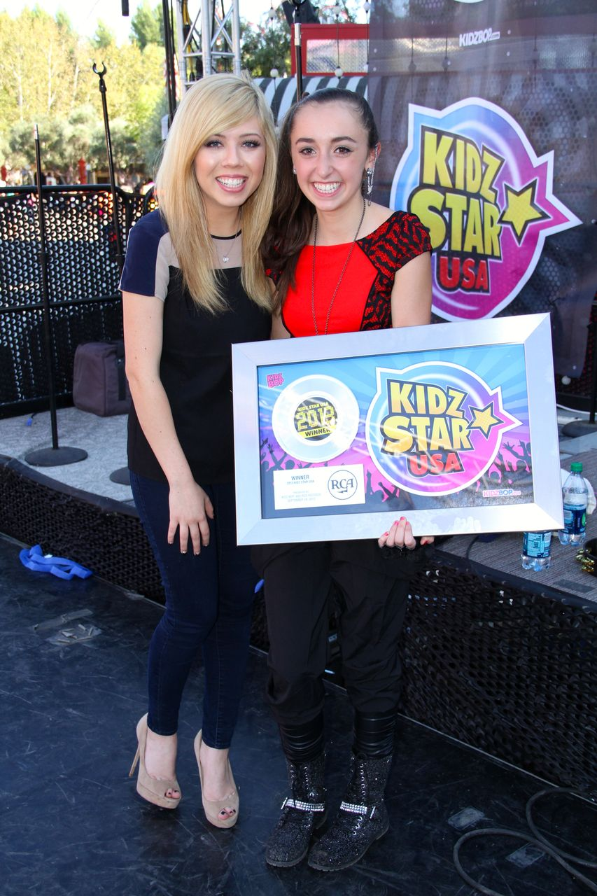 Jennette McCurdy & Isabel Lacatus