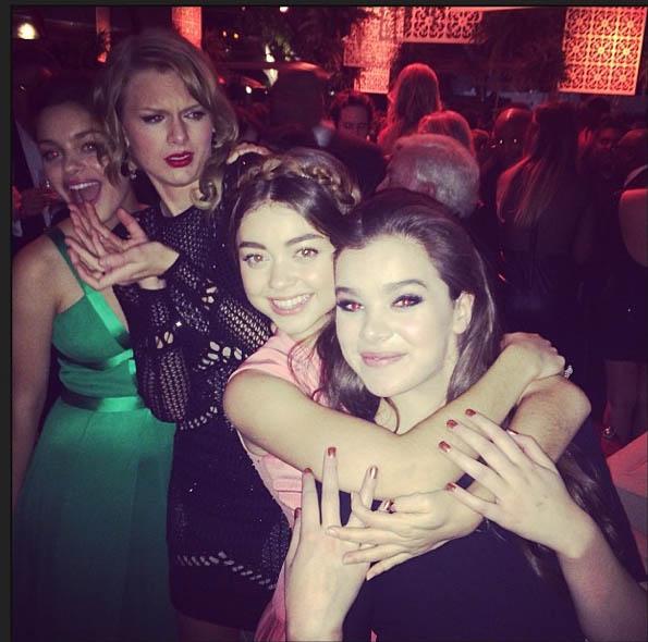 Taylor Swift, Sarah Hyland & Hailee Steinfeld