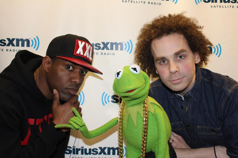 Dj Whoo Kid, Kermit the Frog & Sam Roberts