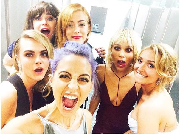 Cara Delevingne, Nicole Richie, Zooey Deschanel, Riley Keough, Zoe Kravitz & Hayden Panettiere
