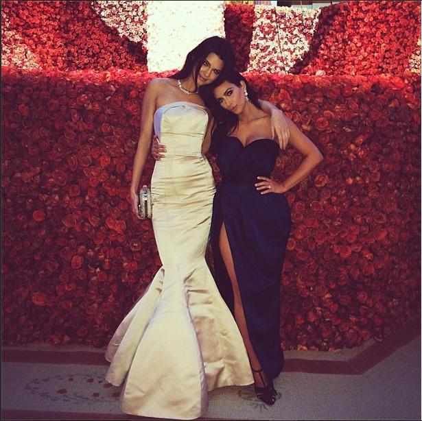 Kendall Jenner & Kim Kardashian