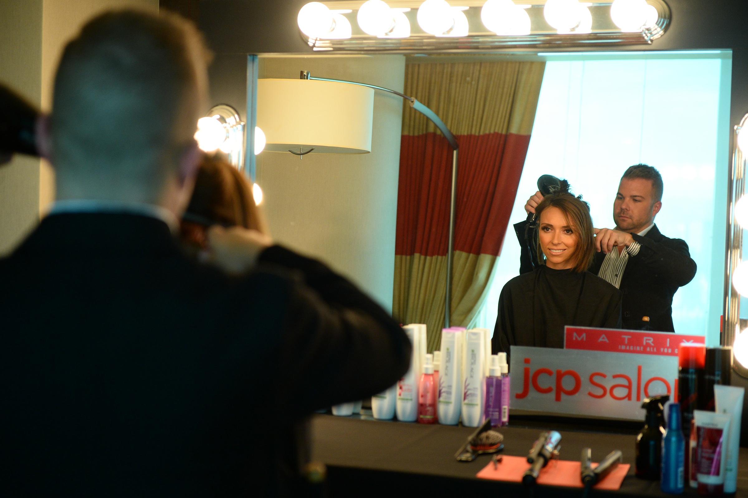 Star shots david beckham rihanna more celebs star for Nick s hair salon