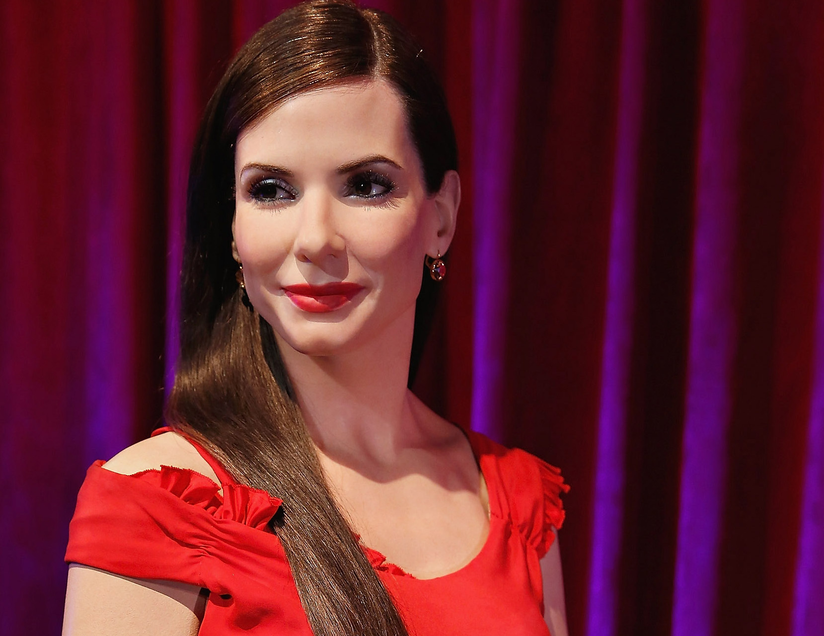 Sandra Bullock's Wax Figure Makes New York Debut At Madame Tussauds For Her 50th Birthday
