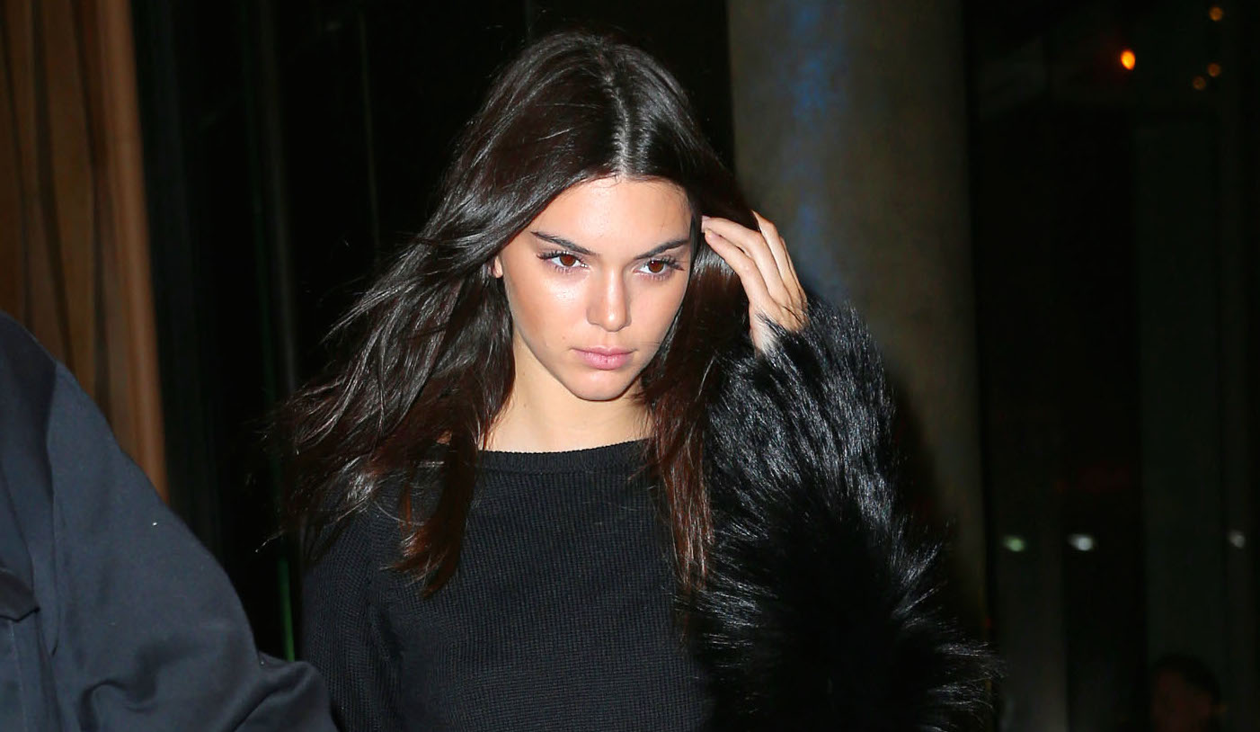 Kendall Jenner bears her midriff when going to dinner with Kim, Khloe, Kourtney, Kylie at il Mulino in NYC