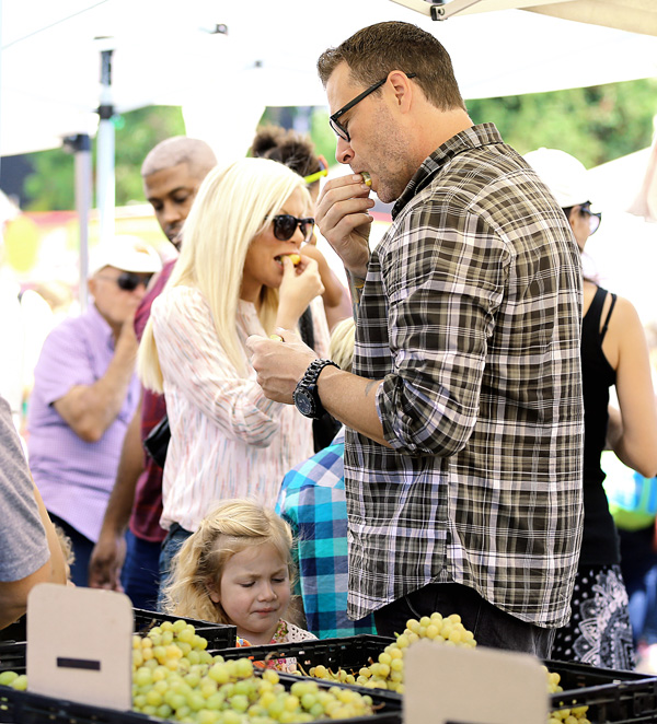 Dirt Poor & Desperate! Tori Spelling & Dean McDermott