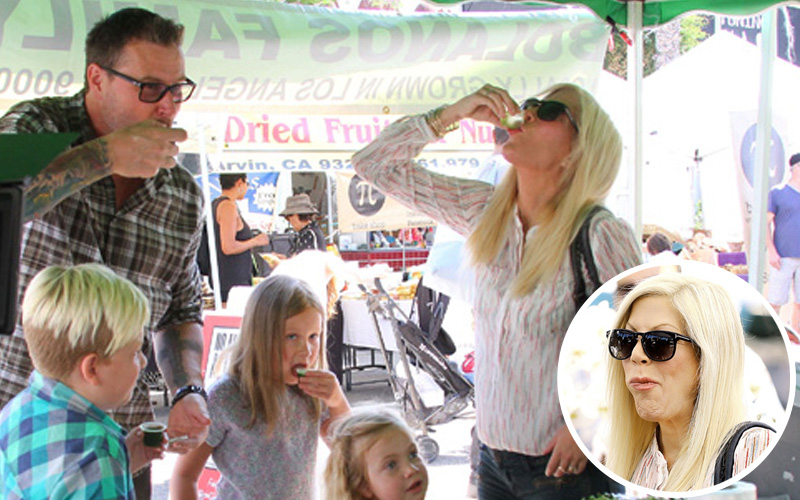 Tori spelling farmers market photos feature