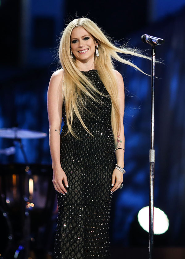 who is dating avril lavigne now Singer avril lavigne is sparking rumors about her dating life e news reports that avril has been dating phillip sarofim, the son of billionaire fayez sarofim, for around three months a source .