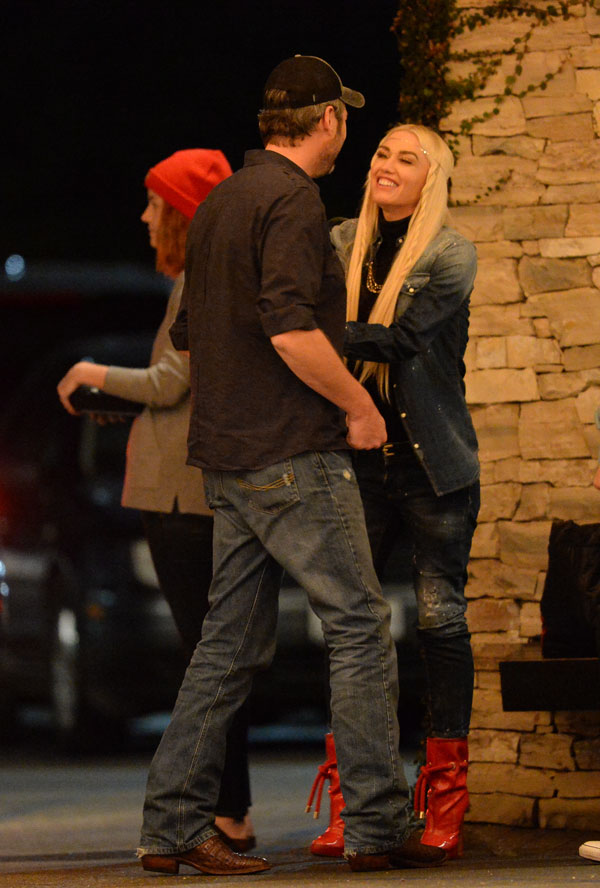 blake shelton dating gwen It's been a year and a half since we first learned that blake shelton and gwen stefani are dating, and unlike most workplace romances, the relationship seems to have had only positive impacts on the singers' careers the voice viewers appear to enjoy the gwen-blake dynamic, and ratings for the show.