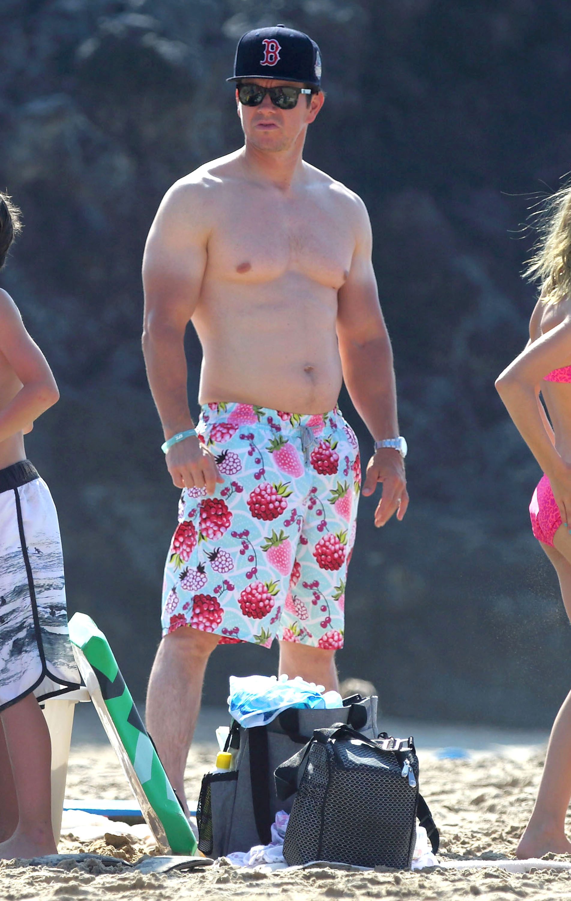 Holiday Hottie Mark Wahlberg Flaunts Sexy Dad Bod Over