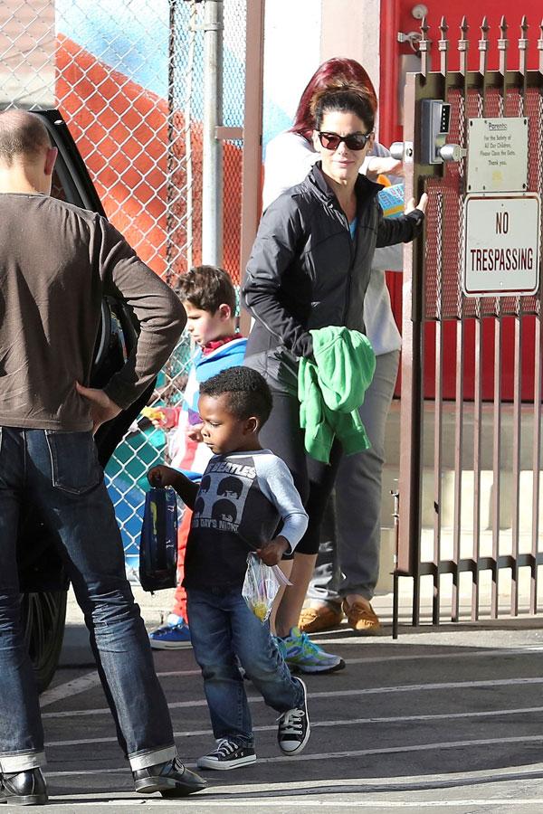 Sandra Bullock Amp Boyfriend Bryan Randall Make Her Kids