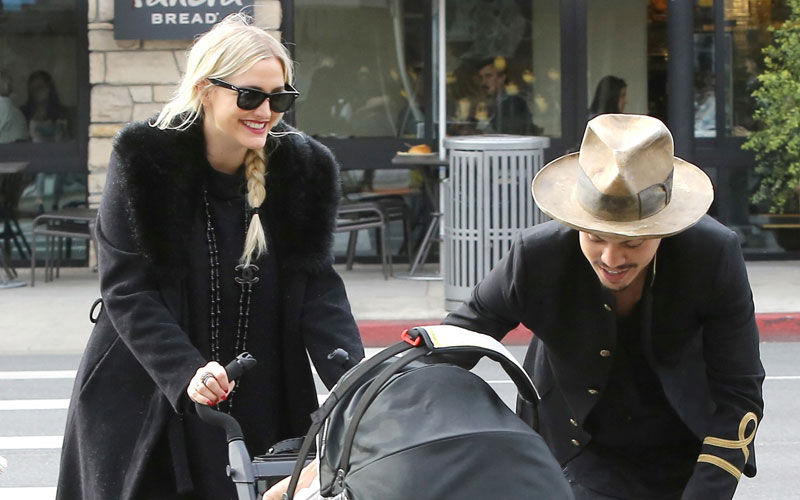 ashlee simpson evan ross lunch daughter dote