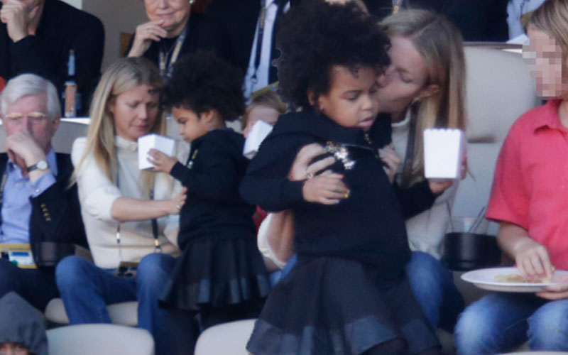 gwyneth-paltrow-blue-ivy-babysits-beyonce-2016-super-bowl-photos