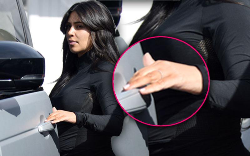 Kim Kardashian Kanye West Divorce Wedding Ring Off