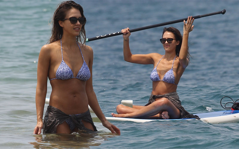 What Lawsuit? Jessica Alba Gets Nearly Naked In Hawaii As ... Jessica Alba Honest Company
