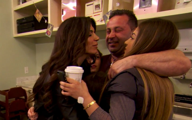 joe-giudice-prison-sentence-family-bakery-video