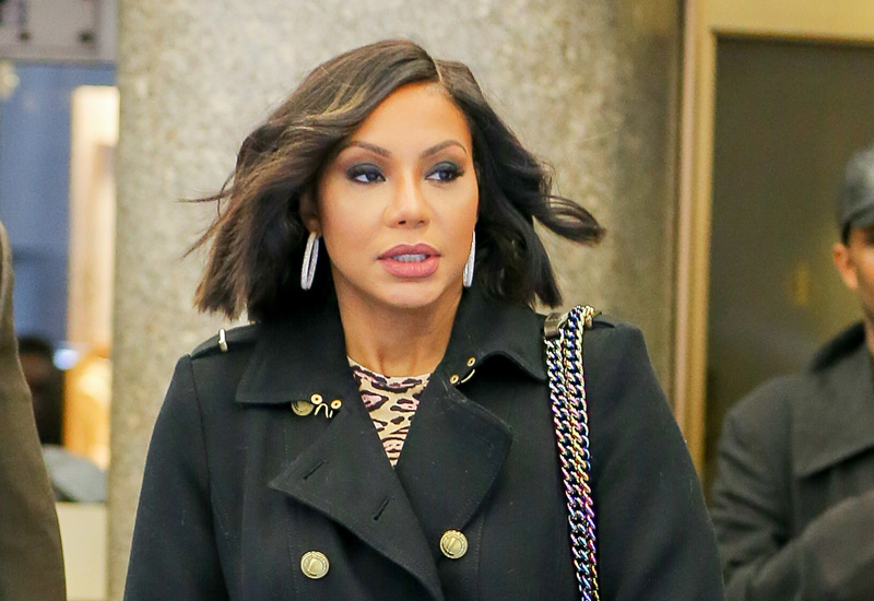 Tamar braxton lashes out fans criticizing clothing line