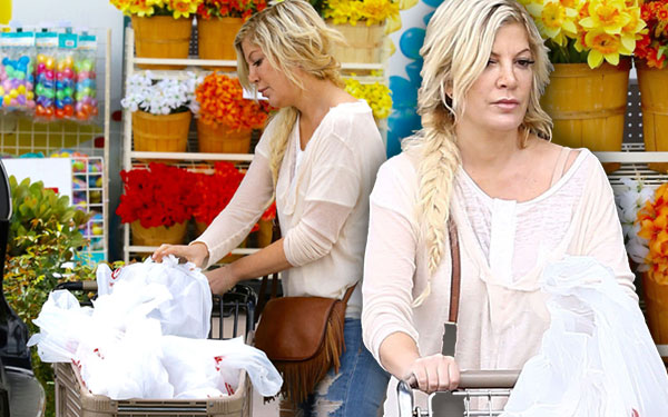 Tori Spelling Broke Debt Shopping Pics 1