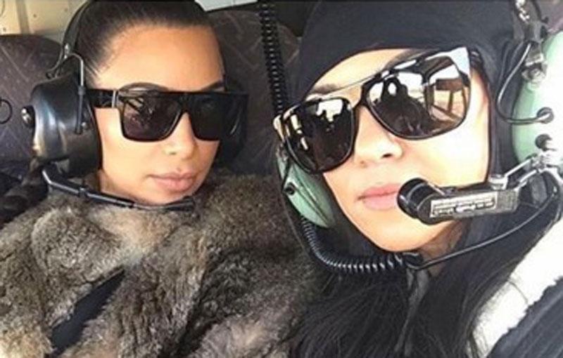 Kardashians take selfies during helicopter emergency
