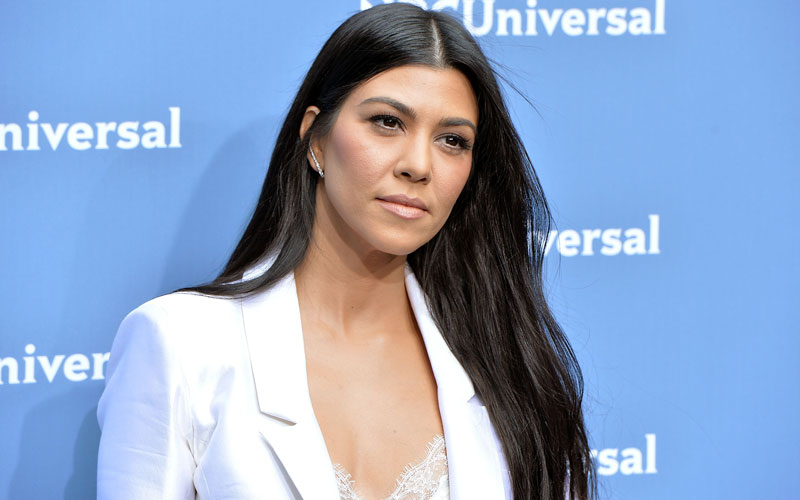 kourtney kardashian photoshop fail deleted instagram pic