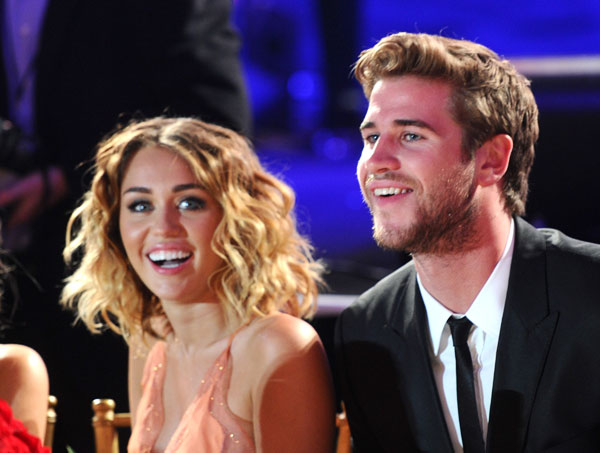 miley cyrus liam hemsworth secret wedding instagram