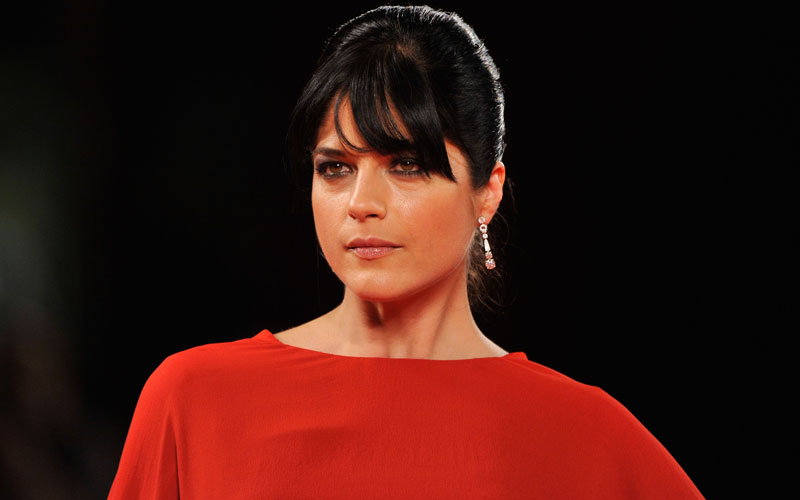 selma blair hospitalized airplane appology