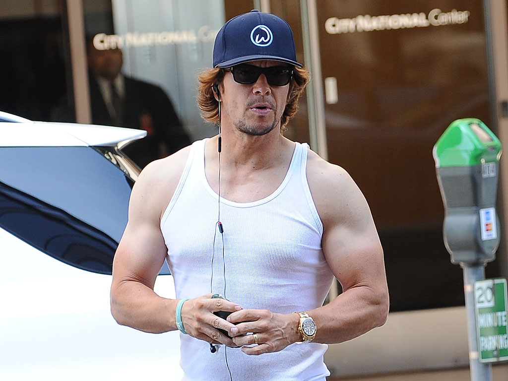 mark wahlberg muscles biceps atm pics