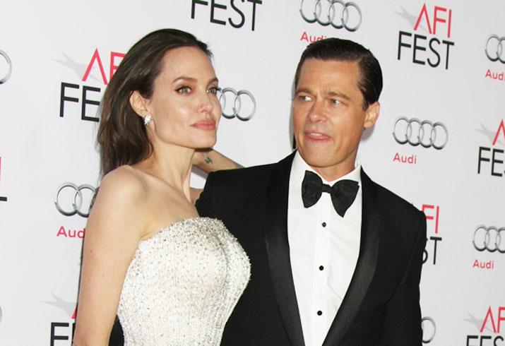 Angelina jolie divorcing brad pitt split signs 01