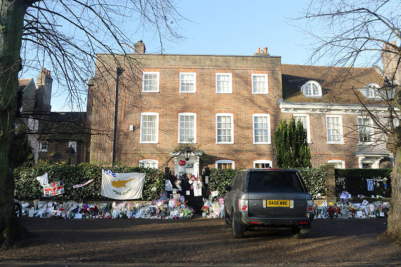 inside george michael 39 s london home where he was found dead star