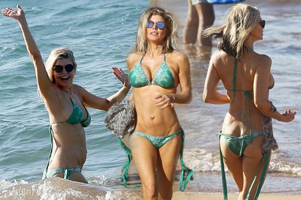 Fergie bikini abs boobs butt milf star