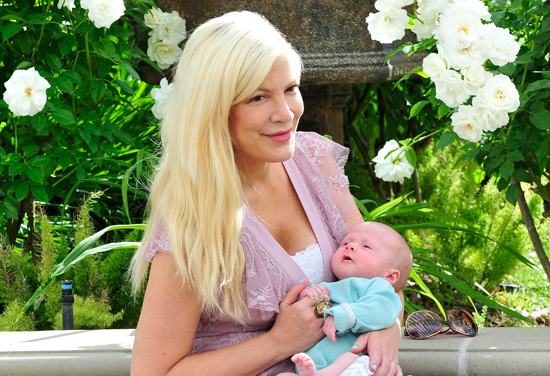 Tori Spelling With son Beau Before a Photo Shoot for her Blog