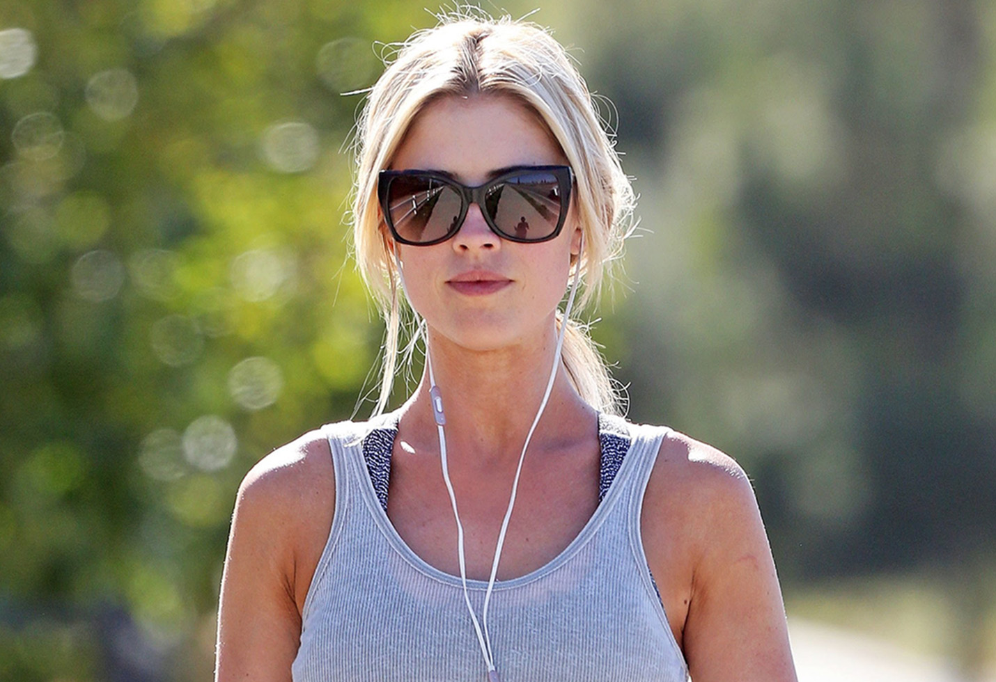 *EXCLUSIVE* Flip or Flop's Christina El Moussa looks great while hitting the pavement!