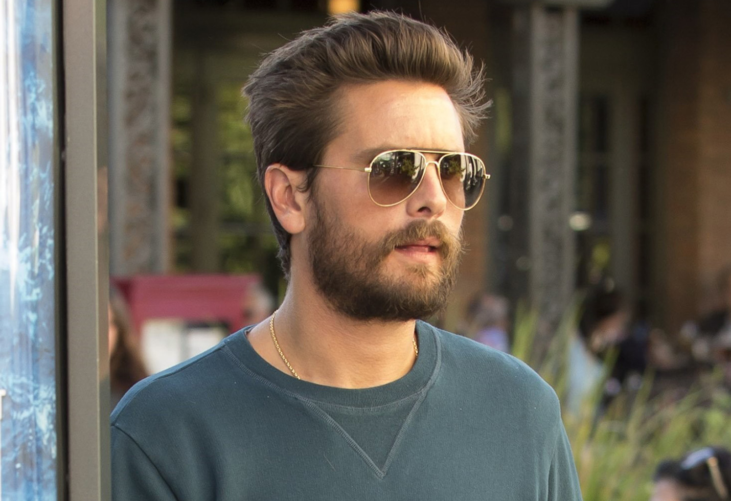 Scott Disick takes Mason and Penelope out for dinner at King's Fish House