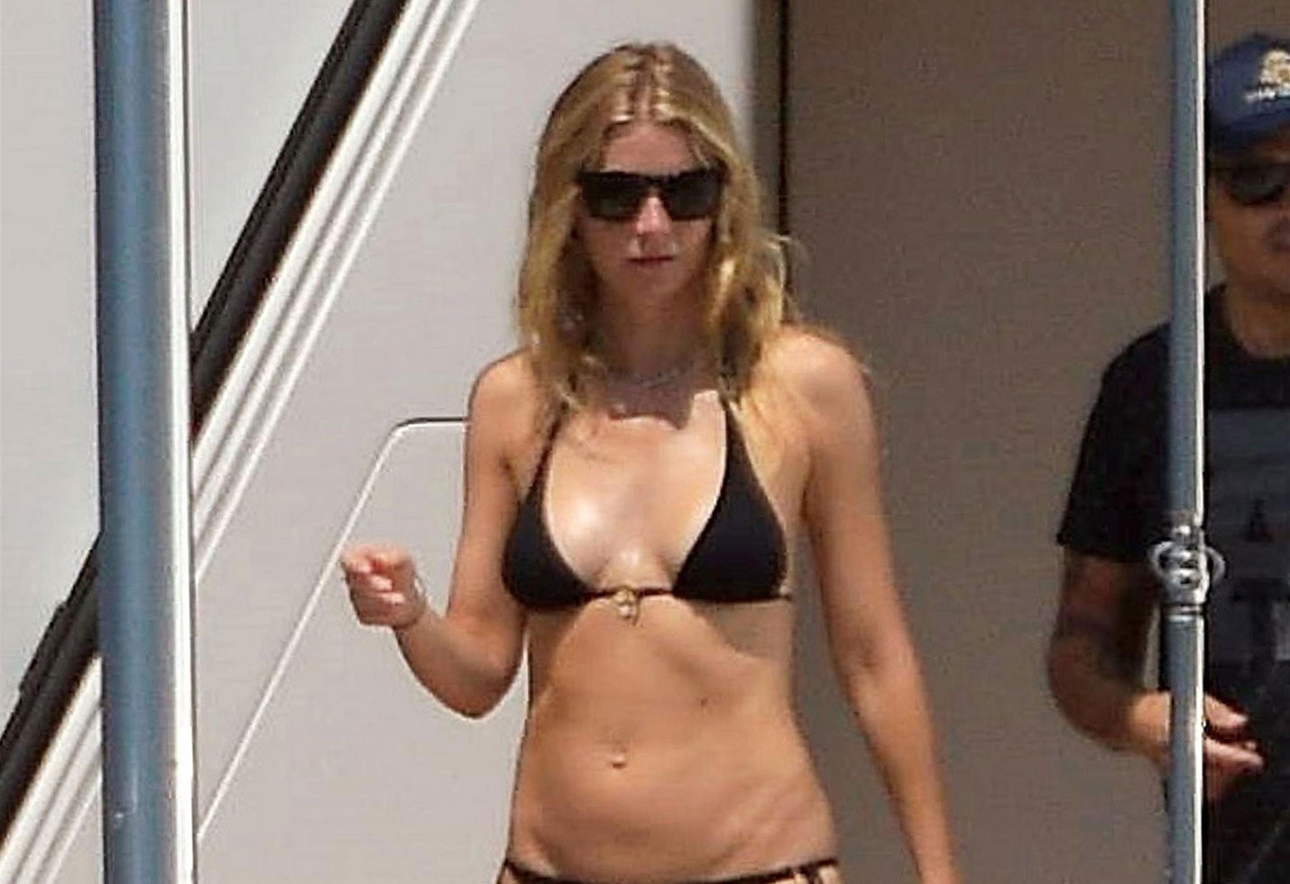Gwyneth paltrow bikini body abs photos