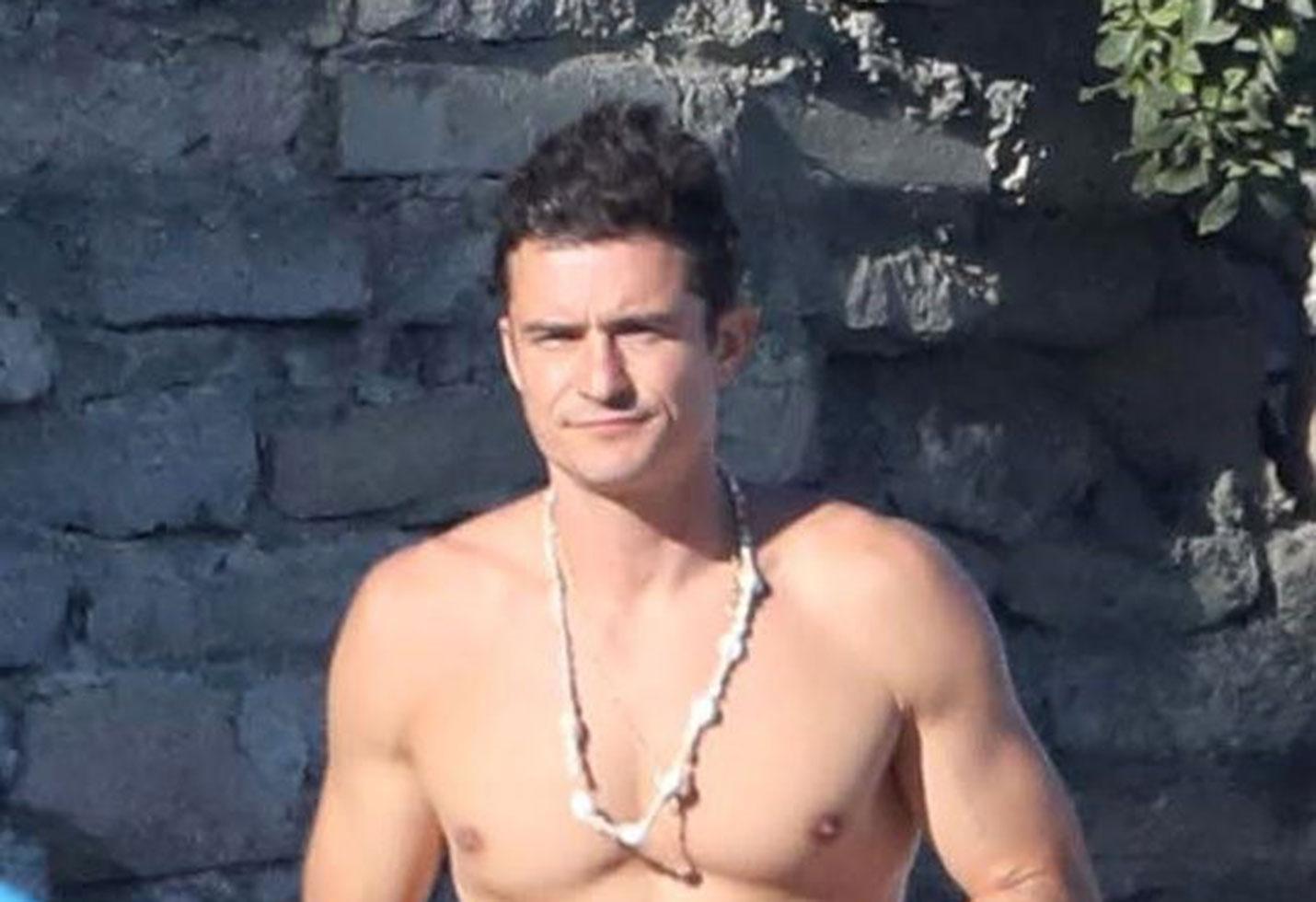 Orlando bloom shirtless abs beach body