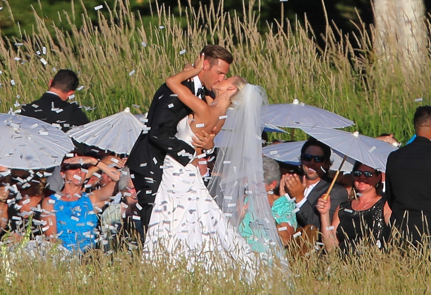 *PREMIUM EXCLUSIVE* Julianne Hough and Brooks Laich tie the knot in an intimate lake side ceremony
