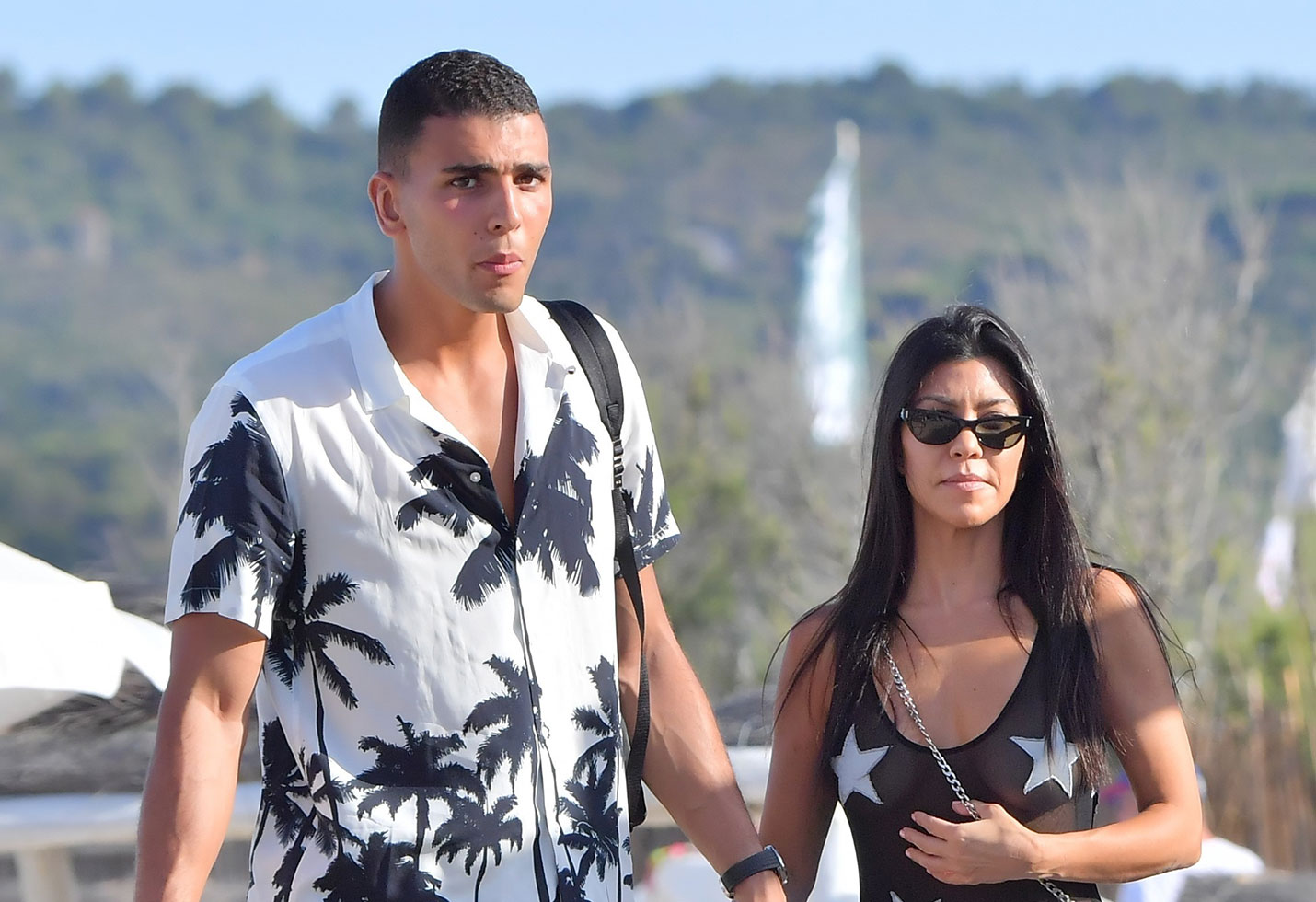 Kourtney kardashian camel toe butt wedgie younes bendjima