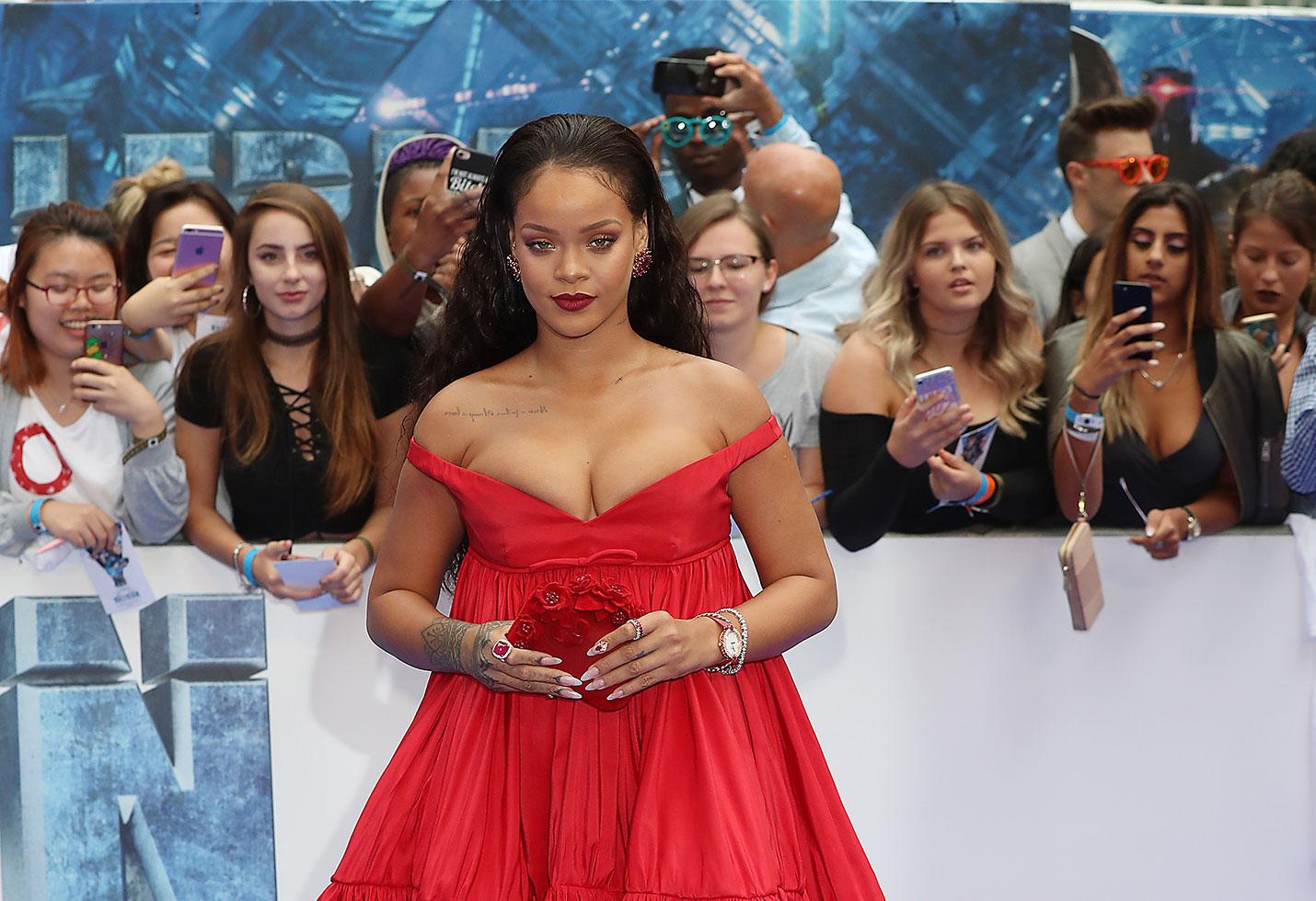 Rihanna reveals fuller figure red carpet