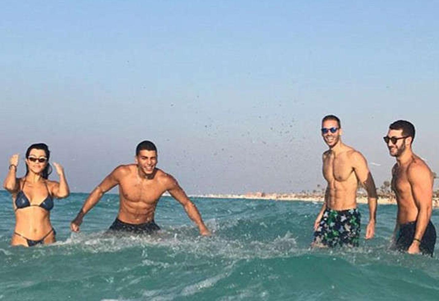 Kourtney kardashian bikini abs vacation egypt younes bendjima