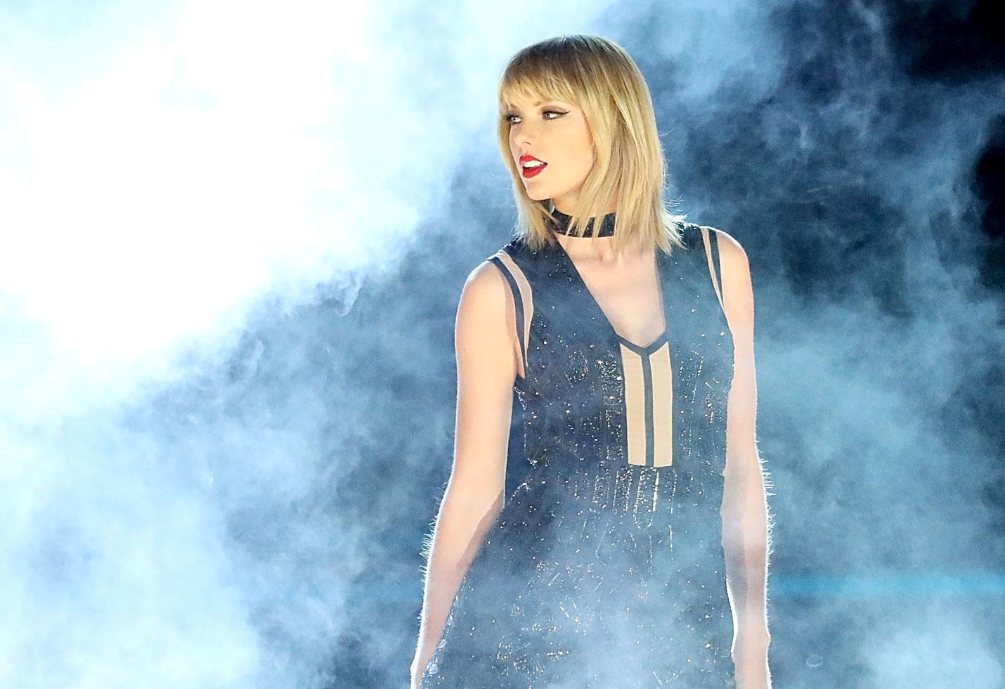 Taylor Swift New Album Details Reputation