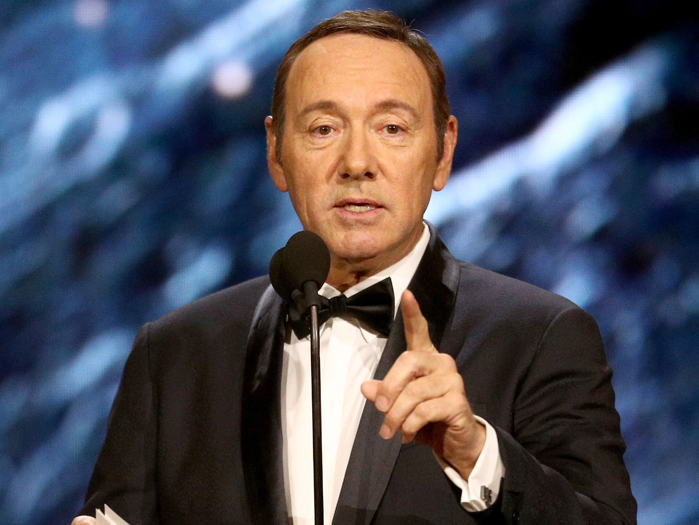 Kevin spacey slammed came gay man distract sexual assault scandal