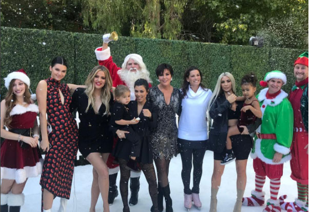 Kylie jenner skips annual family christmas special hide baby bump08