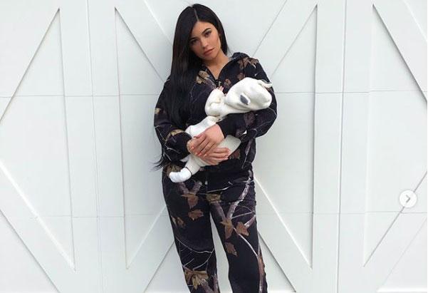 Kylie Jenner pp 2
