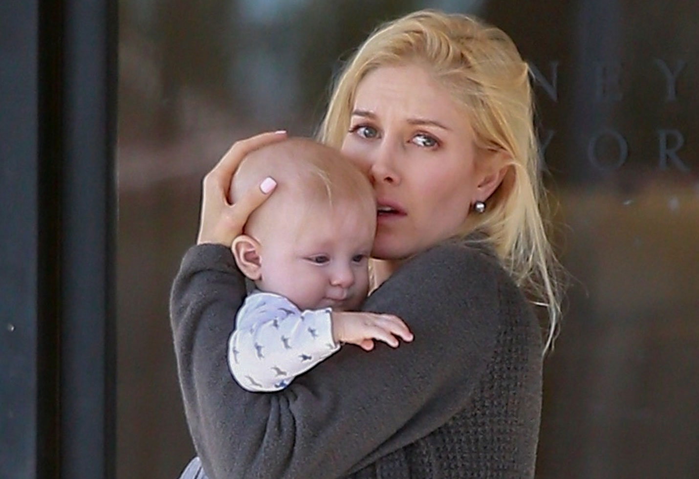 Heidi montag died for a moment after surgerty