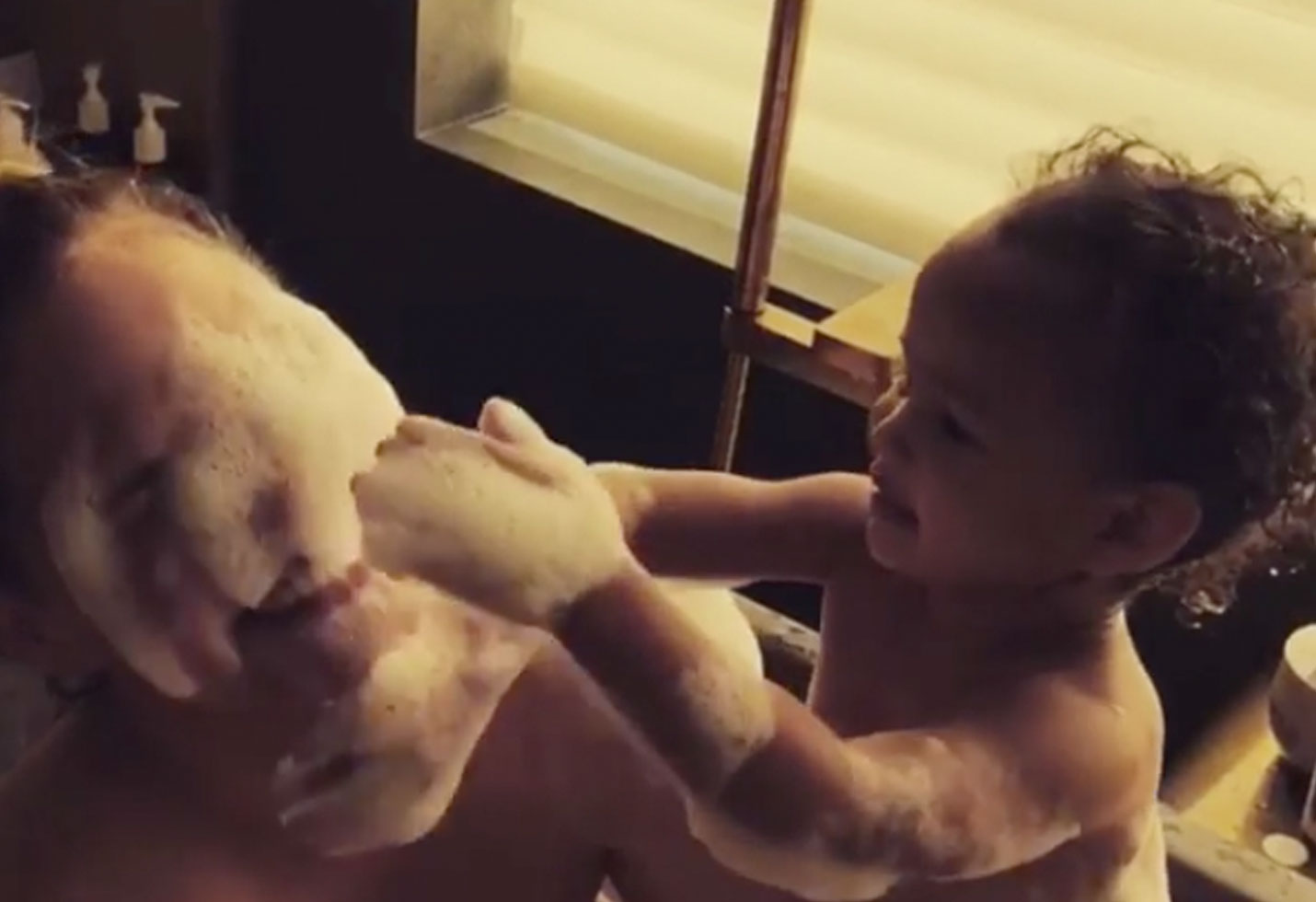 Luna Chrissy Teigen Bath Time Bubbles