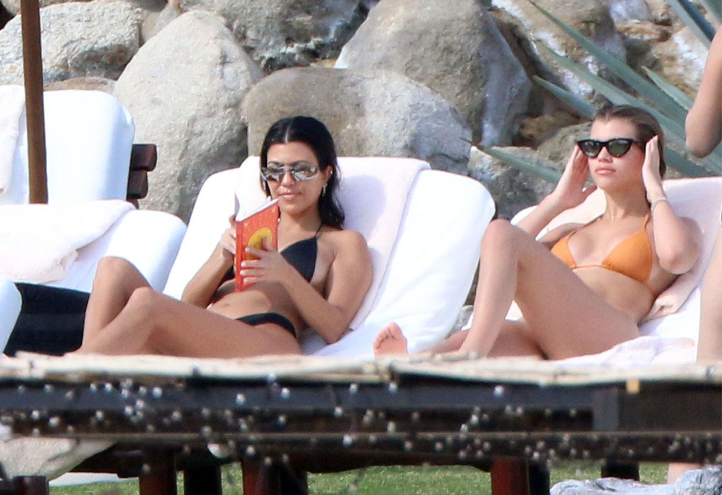 Kourtney kardashian bikini sofia richie scott disick mexico vacation