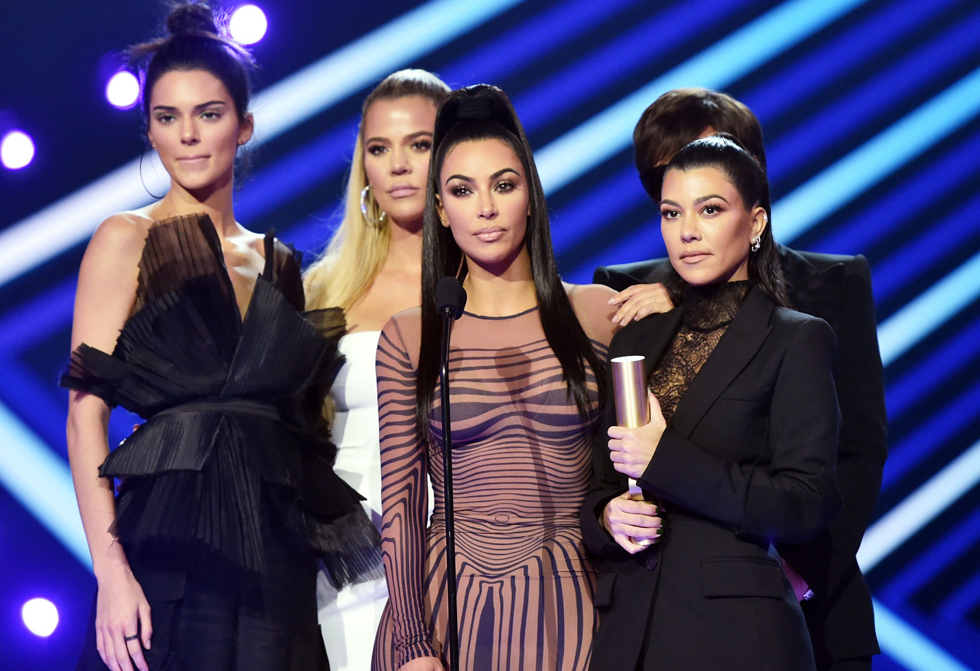 Kim kardashian surrogate sisters babies pregnancies