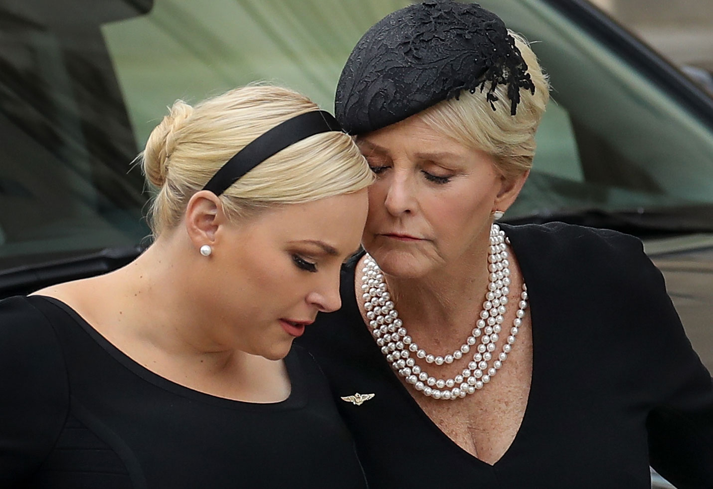 Kardinaal Danneels News: Meghan McCain Thanks Mom Cindy For Helping Her Through